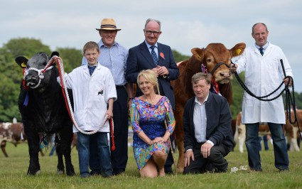 Interbreed Presentation with Jack O'Brien, Jim Quail, Judge David Leggat, Show Chairperson Michelle Macauley, Arthur Dillon, Johny Aiken